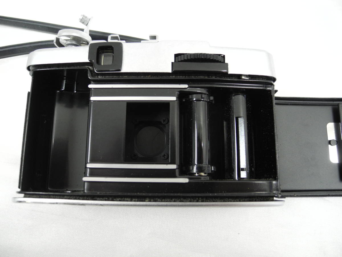 (53)☆オリンパス☆OLYMPUS-PEN EE-3 フイルムカメラ 1:3.5 f=28mm♪ _画像10