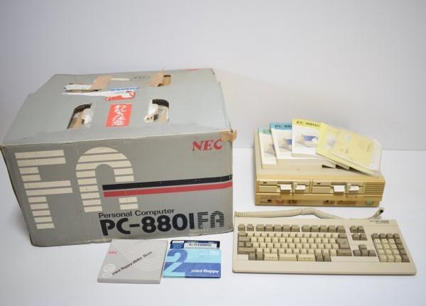希少 NEC PC-8801FA 本体 キーボード 元箱 取説 保証書 付属品付 旧型PC 日本電気 パソコ