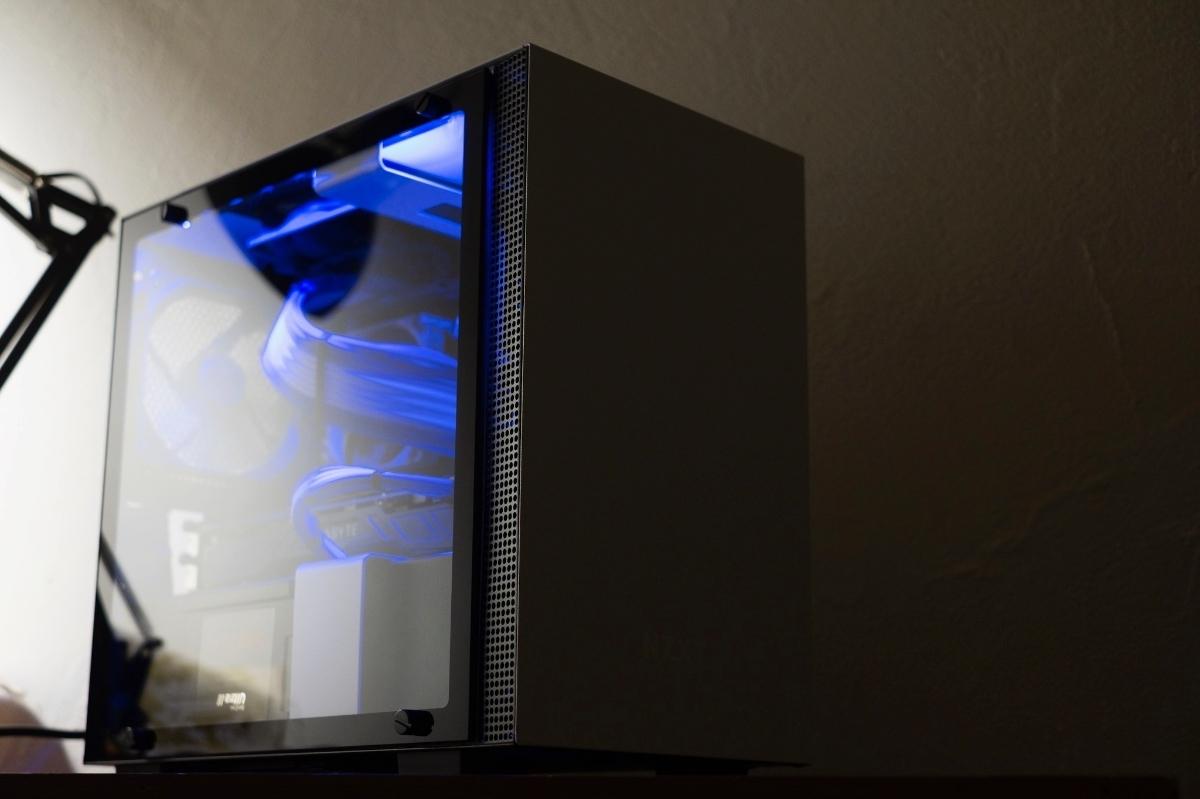 自作PC NZXT XEON E5 12コアCPU GTX1080 960GB SSD ゲーミングPC 動画編集 3DCG mini itx 検)Core i9 9900k Core i7 8700k 7920x_画像7