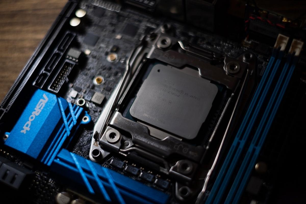 自作PC NZXT XEON E5 12コアCPU GTX1080 960GB SSD ゲーミングPC 動画編集 3DCG mini itx 検)Core i9 9900k Core i7 8700k 7920x_画像8