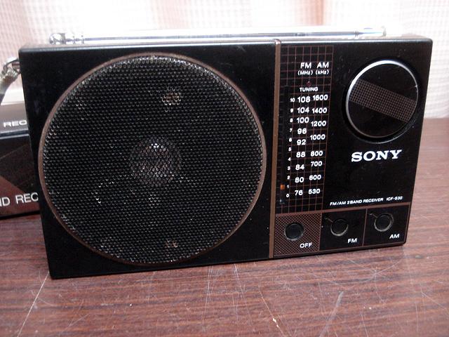 ★昭和レトロ 当時物 箱付き!SONY ICF-S30 ワイドFM受信可能ラジオ 簡易確認OK! ジャンク ★_画像2