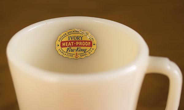 ラベル付き! ファイヤーキング マグ アイボリー フラットボトム 未使用!1940年代 ミルクガラス コーヒー アメリカ製 ビンテージ_画像5