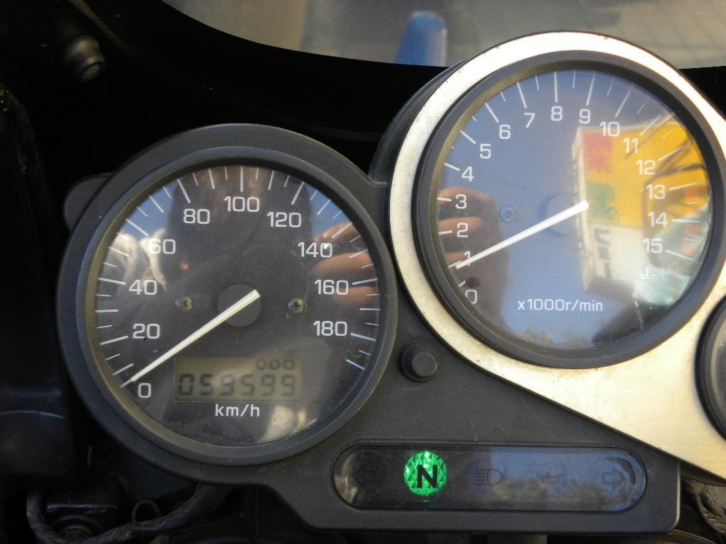 ★売切り!ヤマハFZ400(4YR)車検H.32年8月まで! ★OVERサイレンサー付!始動良好・通勤通学やカスタムに!_画像10