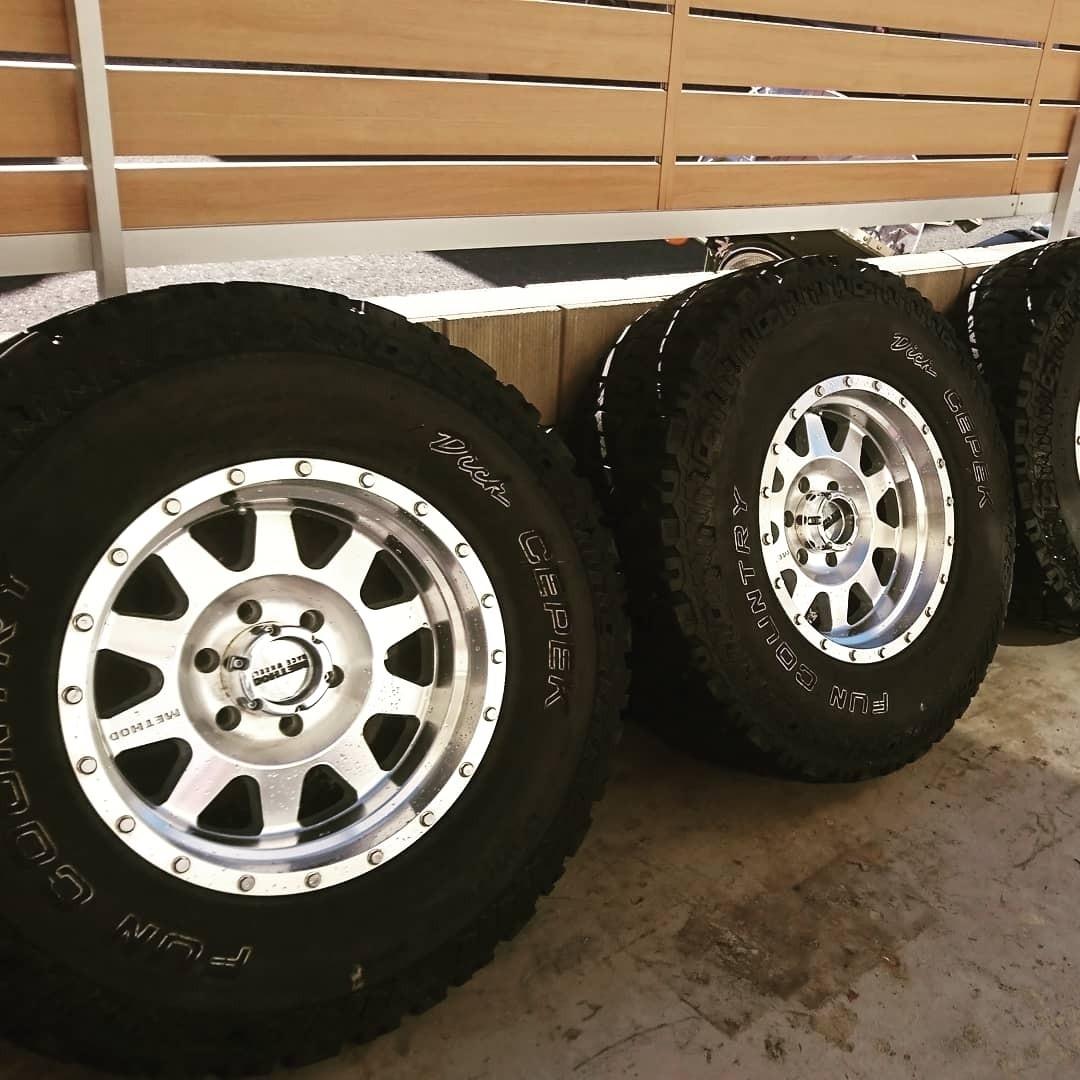 希少 4本 35インチ METHOD RACE WHEELS メソッド ホイール タイヤ 4本セット fjクルーザー ラングラー ランクル プラド サーフ