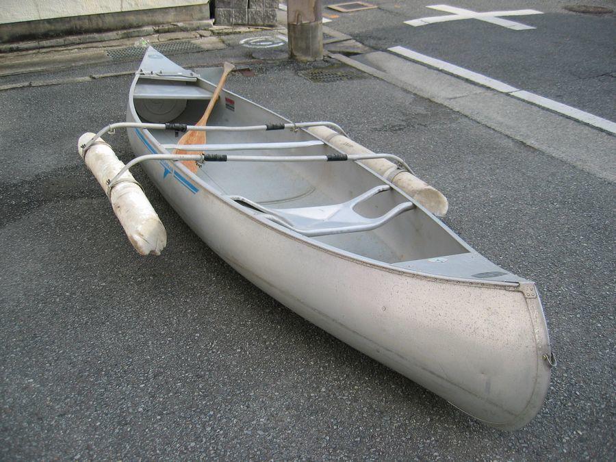 g llama n company manufactured aluminium canoe 13feet
