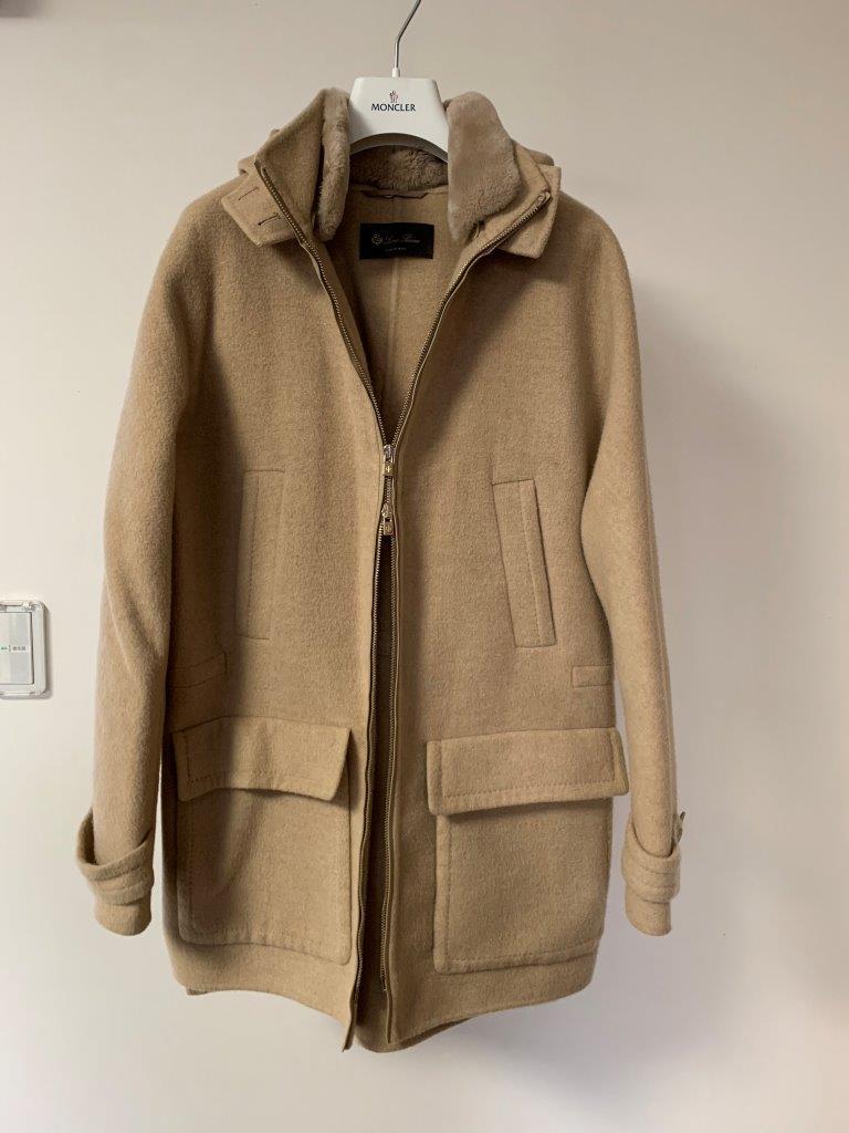 究極の逸品 ロロピアーナ 金色のファーを纏うふわとろ極上触感 カシミア ニット フード コート ジャケット 正規極美品 size40(メンズS相当)