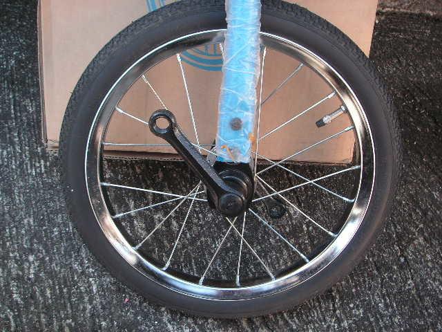 一輪車 ヨコタ製 サイズ16 スポークタイプ 当時物 在庫品 _画像3