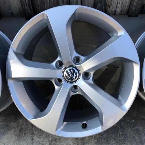 【新車外し】VW フォルクスワーゲン ゴルフ7 GTI 17インチ純正ホィール4本セット_画像4
