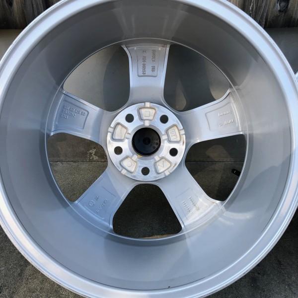 【新車外し】VW フォルクスワーゲン ゴルフ7 GTI 17インチ純正ホィール4本セット_画像9