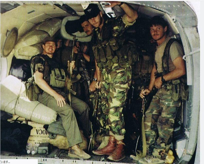 希少 実物 南アフリカ軍 特殊部隊バックルブーツ TARZAN WAXIES 良サイズ RECCE エグゼクティブ・アウトカムズ 傭兵 PMC イラク アフガン_エグゼクティブ・アウトカムズ着用例
