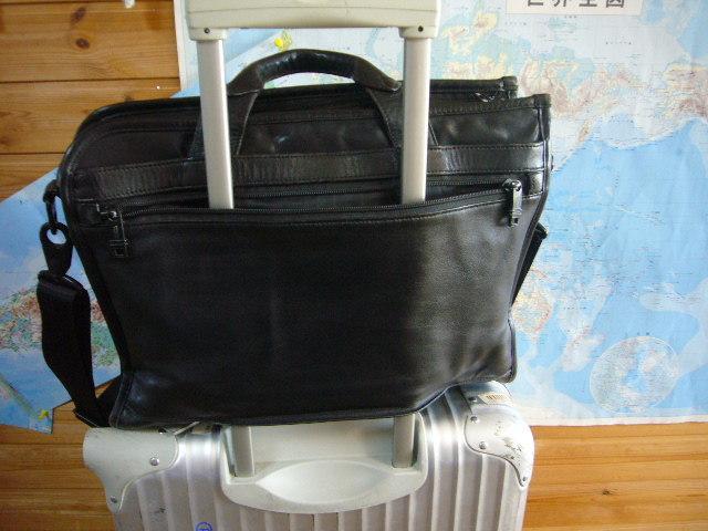 ★即決激安処分★擦れ有り★TUMI トゥミ ★革 レザーブリーフ★ _スーツケースは付属しません
