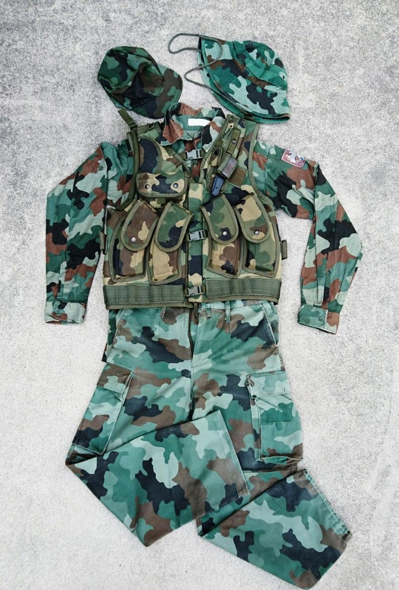 セルビア軍装備セット セルビア、ユーゴスラビア、M89,M93迷彩服、M99ベスト、