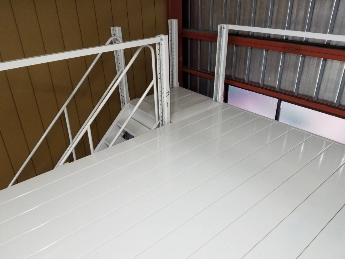 中二階スチールロフトラック(階段なし、連結可能)貸工場、倉庫内の空間有効活用/メザニン・ステージ・フロア・カーポート車庫で使用可能_画像4