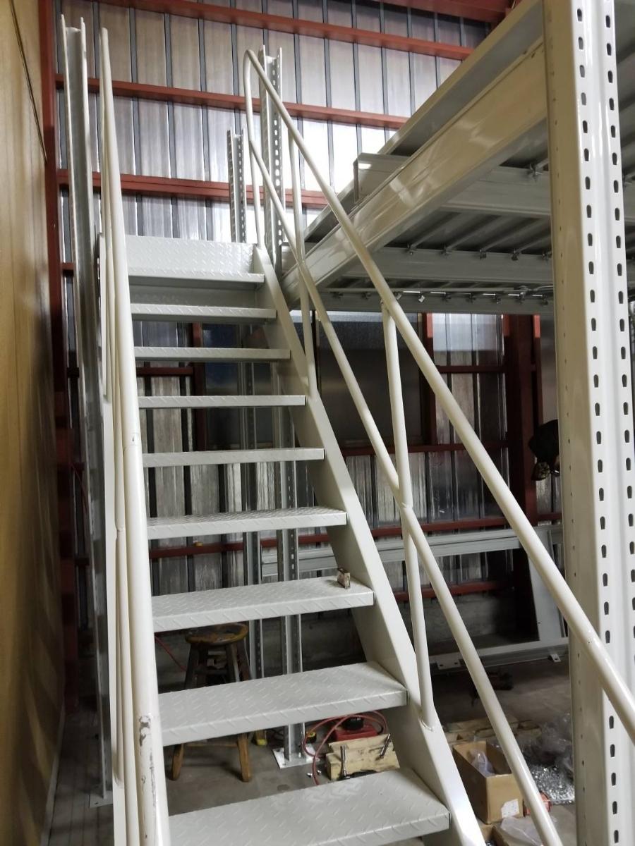 中二階スチールロフトラック(階段なし、連結可能)貸工場、倉庫内の空間有効活用/メザニン・ステージ・フロア・カーポート車庫で使用可能_画像3