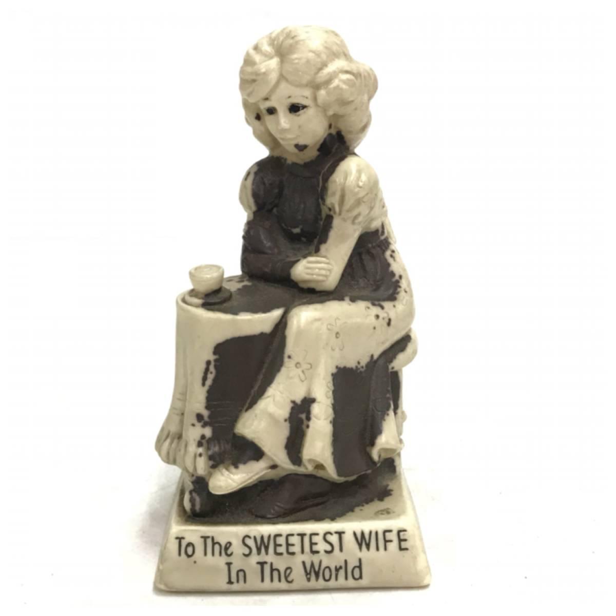 メッセージドール To The SERRTEST WIFE In The World インテリア 雑貨 小物 置物 ビンテージ アンティーク レトロ オールド DOLL D-1391_画像1