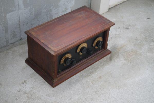 SD469020620 重厚な木箱のアンティークラジオ ■マニア放出/ジャンク扱い/ビンテージラジオ/レトロ/時代/オブジェ/スロデパ