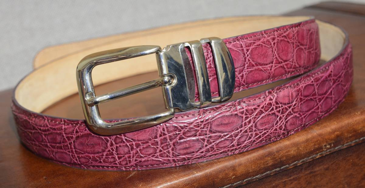 クロコダイル ベルト 男女兼用 極上 クロコ ピンク または、レッド系の希少カラー_画像1