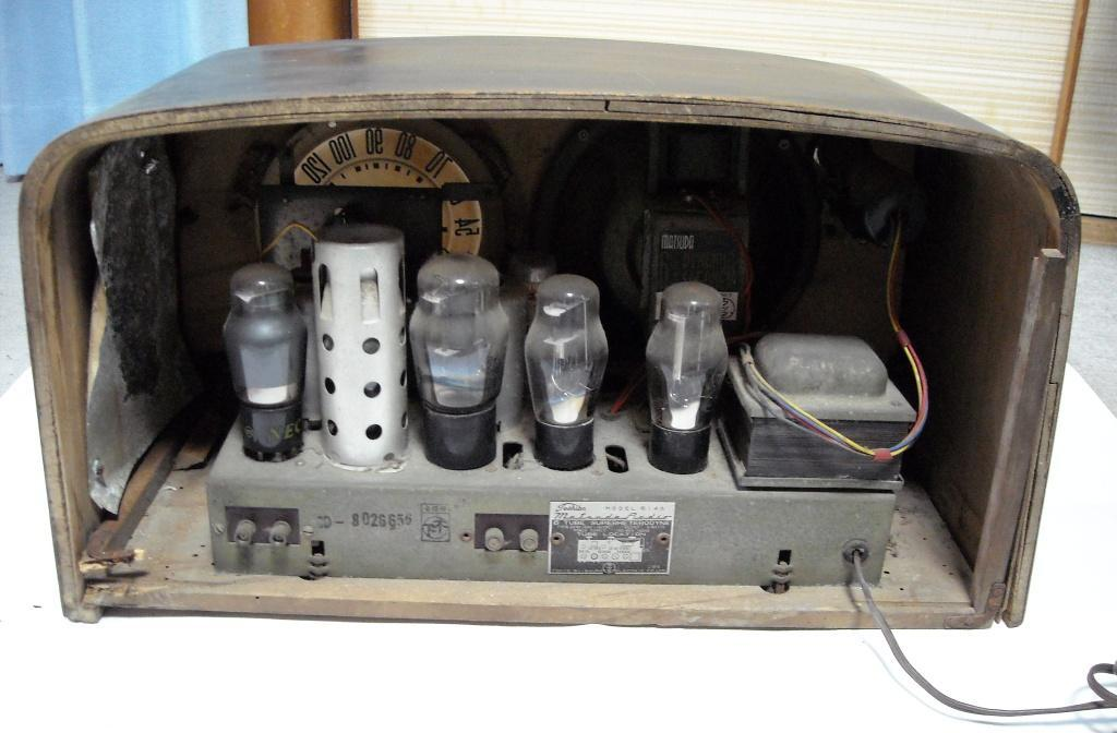 Toshiba 東芝 Model 614A Matsuda Radio 6TUBE SUPERHETERODYNE 動作せず ジャンク_画像2