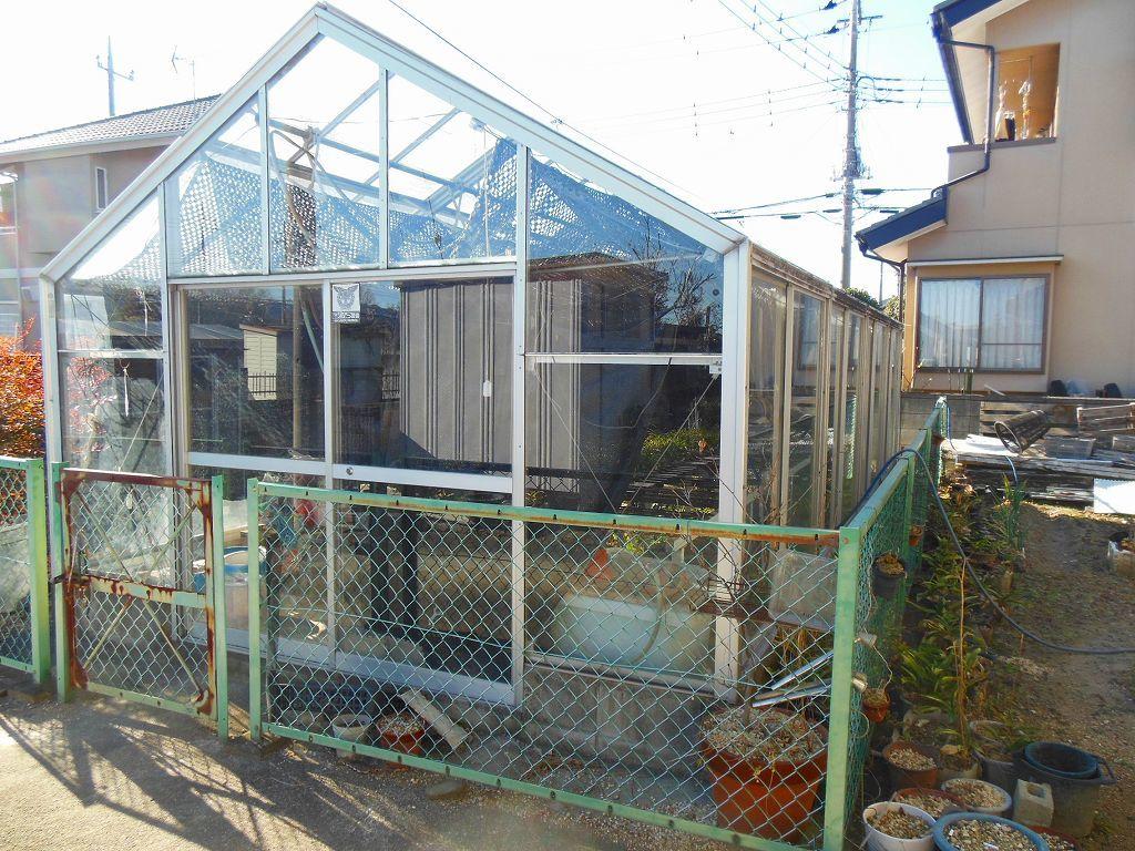 園芸用温室2X4間、激安。条件有り。アルミサッシ、ガラス張り、堅牢。