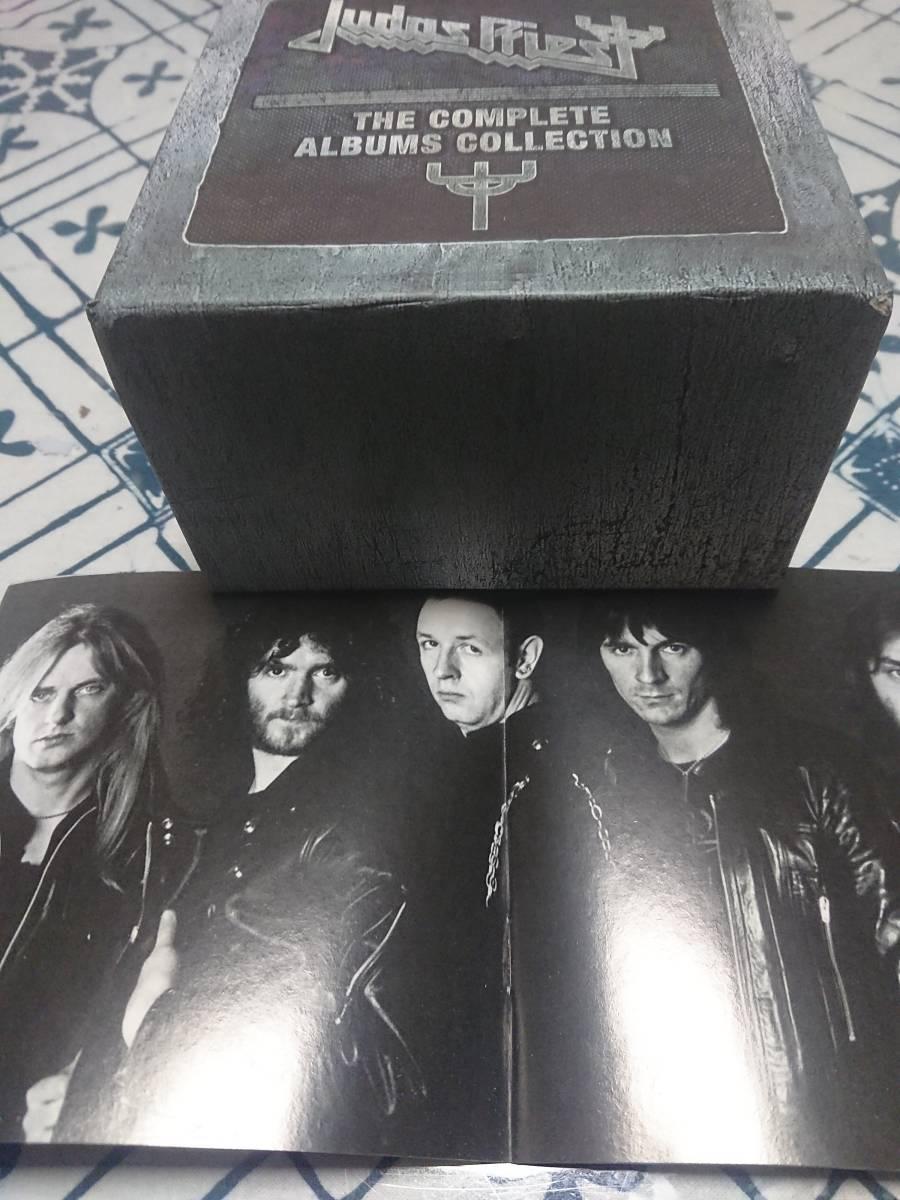 ジューダスのUK輸入盤17作品集・19枚CDボックス。ほぼジャケットと同じピクチャー・ディスクです。モノクロの英語解説ブックレット付き。_ブックレット(モノクロ写真集)