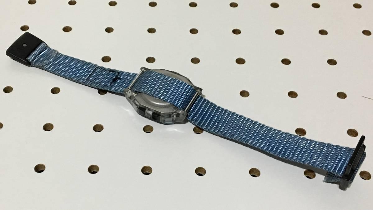 [中古 ビンテージ 90s USA]FREESTYLE SHARK NIGHTVISION (300FT) フリースタイル シャーク 腕時計 ブルー クリア_画像3