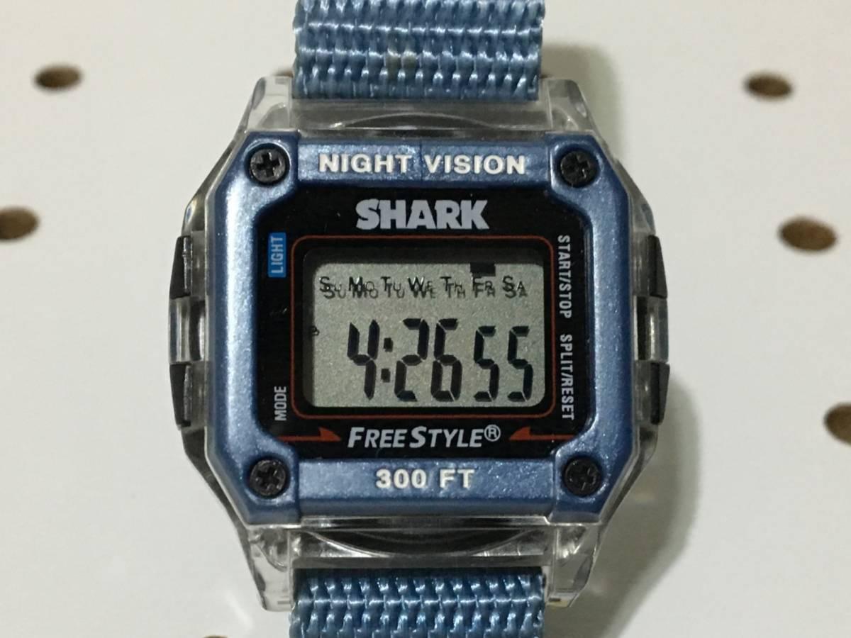 [中古 ビンテージ 90s USA]FREESTYLE SHARK NIGHTVISION (300FT) フリースタイル シャーク 腕時計 ブルー クリア_画像4
