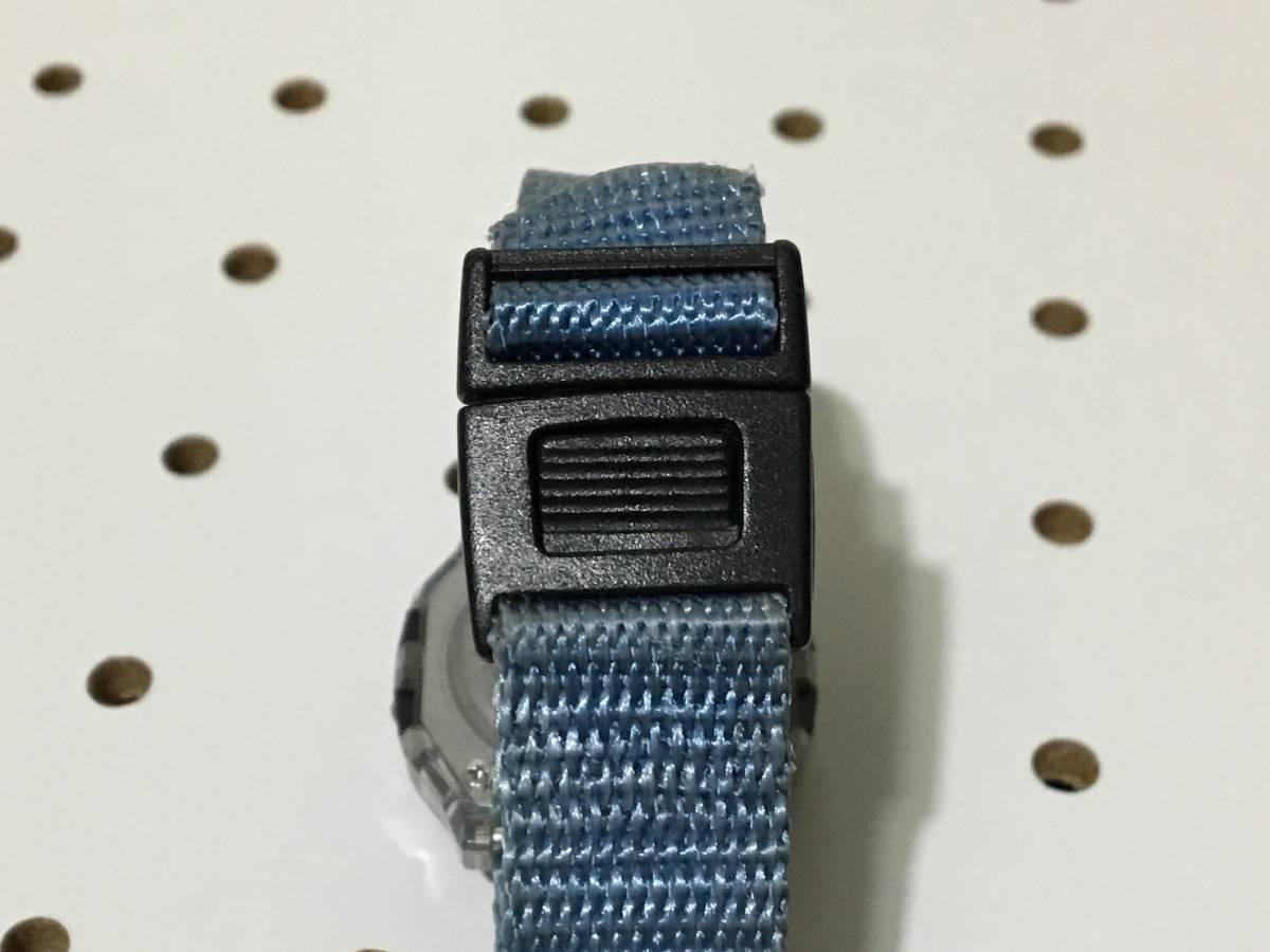 [中古 ビンテージ 90s USA]FREESTYLE SHARK NIGHTVISION (300FT) フリースタイル シャーク 腕時計 ブルー クリア_画像8