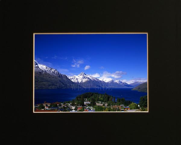 ニュージーランド クイーンズタウン ワカティブ湖 ★額縁付 A3_             額縁付イメージ