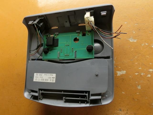 V280 ルームランプ LED 平成14年後期 GF-638280 サンルーフスイッチ ベンツ Vクラス 走行4.2万㌔_画像4