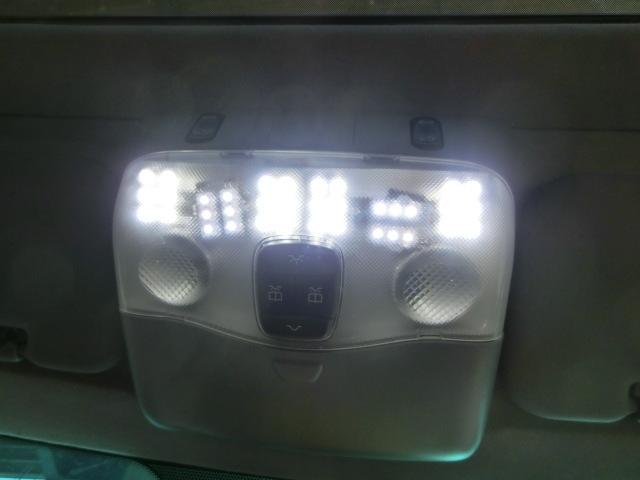 V280 ルームランプ LED 平成14年後期 GF-638280 サンルーフスイッチ ベンツ Vクラス 走行4.2万㌔_画像5