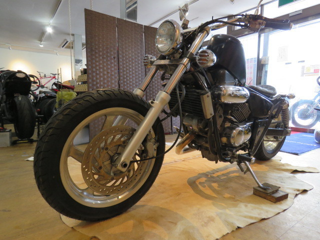 HONDA MAGNA 250 MC29 ホンダ マグナ 250cc ブラック 27800km エンジン実動! アメリカン バイク カスタム製作中! 札幌発_画像4