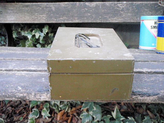 F1000★ヴィンテージ ミリタリーボックス/所さんの世田谷ベース流小物ガレージアイテムにビンテージ ボックス/ミリタリーティン缶_画像4