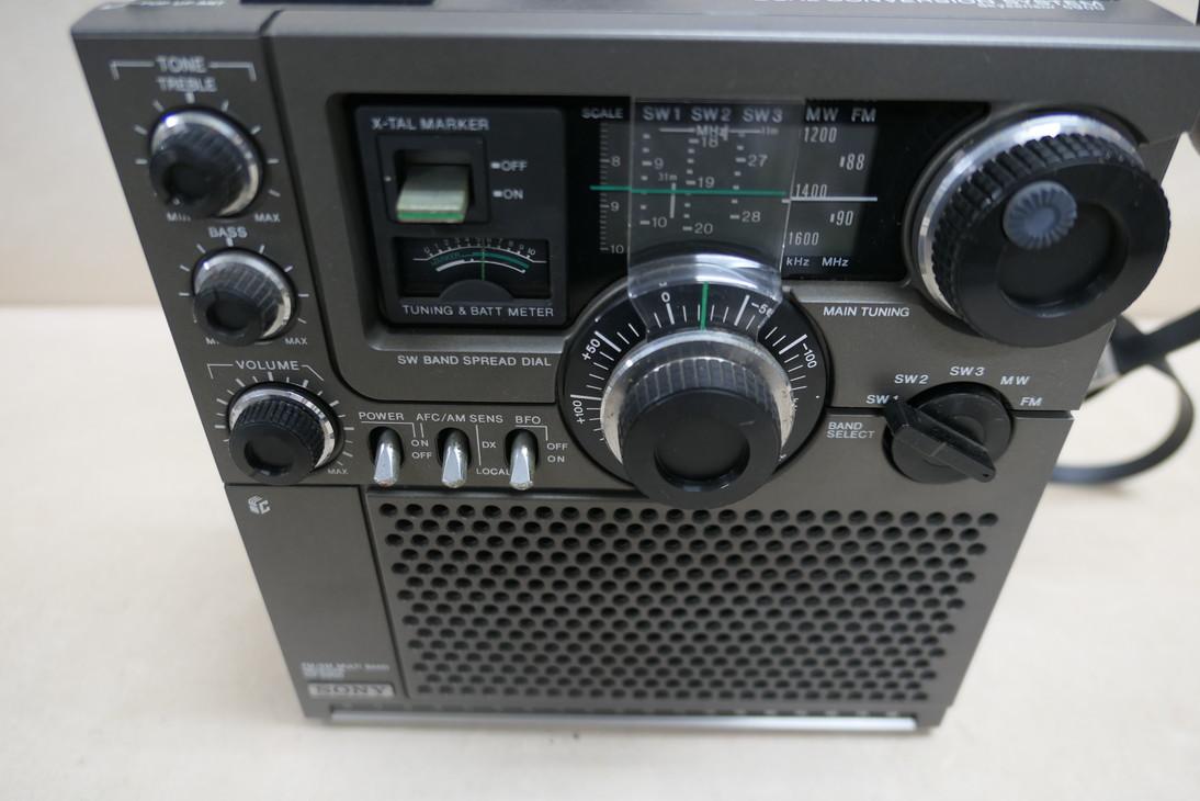 190130-68 SONY ICF-5800 ラジオ ジャンク品@08_画像3