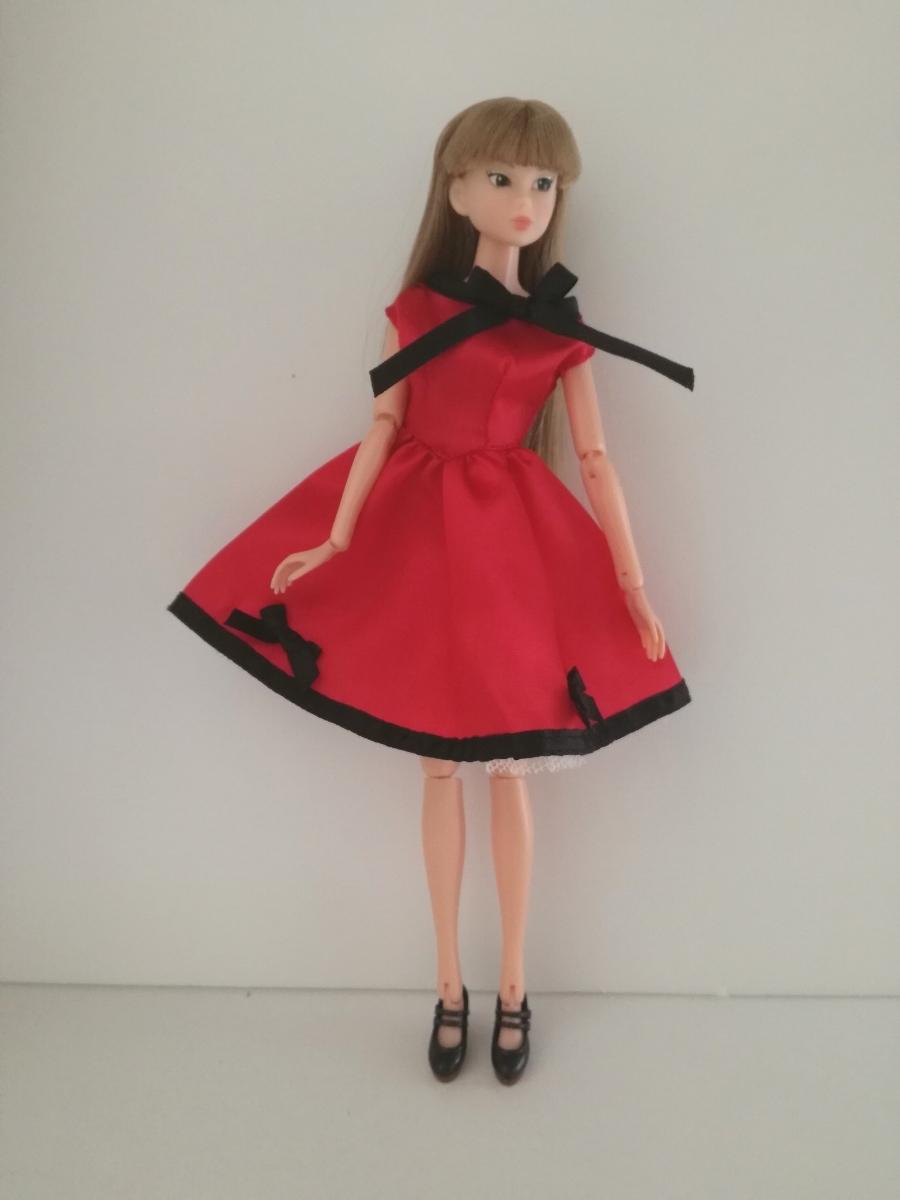 タカラタグ 人形用 赤×黒 ブラック パイピング ワンピース リボン サテン バービー ジェニー momokodoll 1/6ドール_画像6