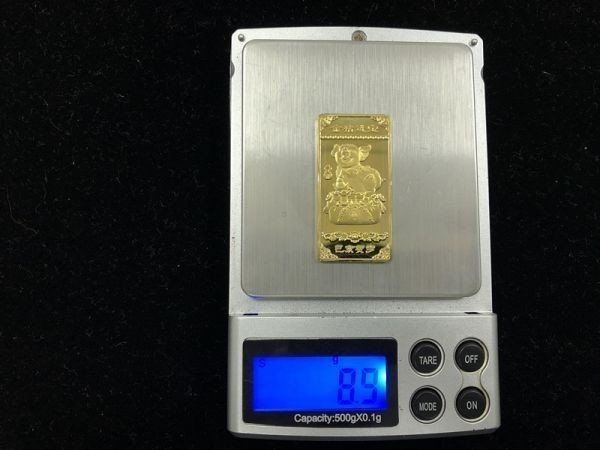 中国パンダ 金貨 貴重品  ケース入り コイン 豚年記念品 珍藏 102304_画像2
