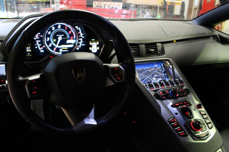 2015 アヴェンタドール 正規輸入車後期モデル LBエアロ付 社外マフラー可変付カスタム車両_画像6