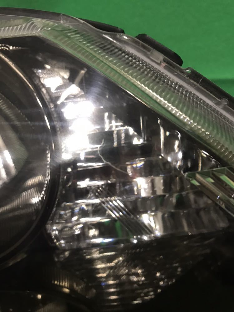 ホンダ シビック FD系 右ヘッドライト ハロゲンタイプです ユニットのみ 日焼けと劣化ヒビがあります スタンレー P5476 個人宅配送不可です_画像2