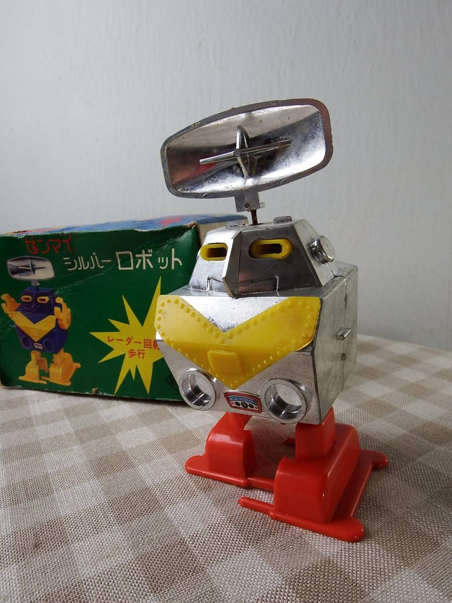 中古品 ゼンマイシルバーロボット 動作品 五月トーイ/日本製 9×16×8cm_画像2