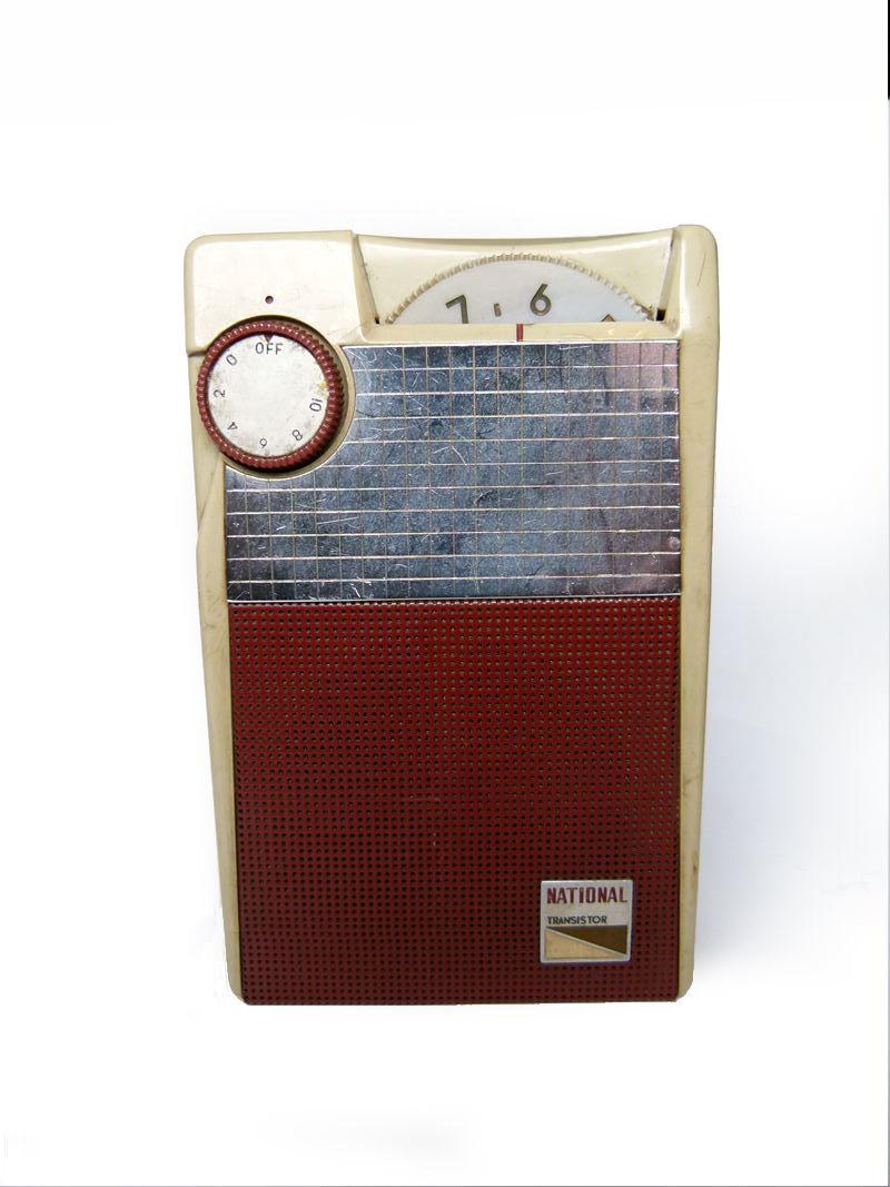 NATIONAL ナショナル ポータブルラジオ EB-145 トランジスタ ジャンク扱い_画像2