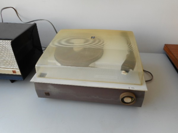 真空管ラジオ ナショナルGM520 ターンテーブルナショナル7L-857 ジャンク_画像3