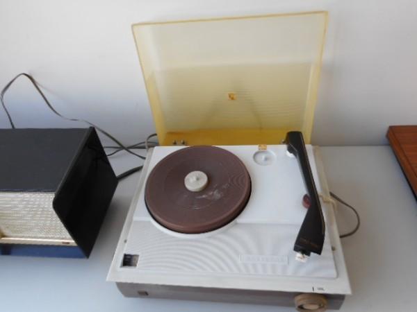 真空管ラジオ ナショナルGM520 ターンテーブルナショナル7L-857 ジャンク_画像5