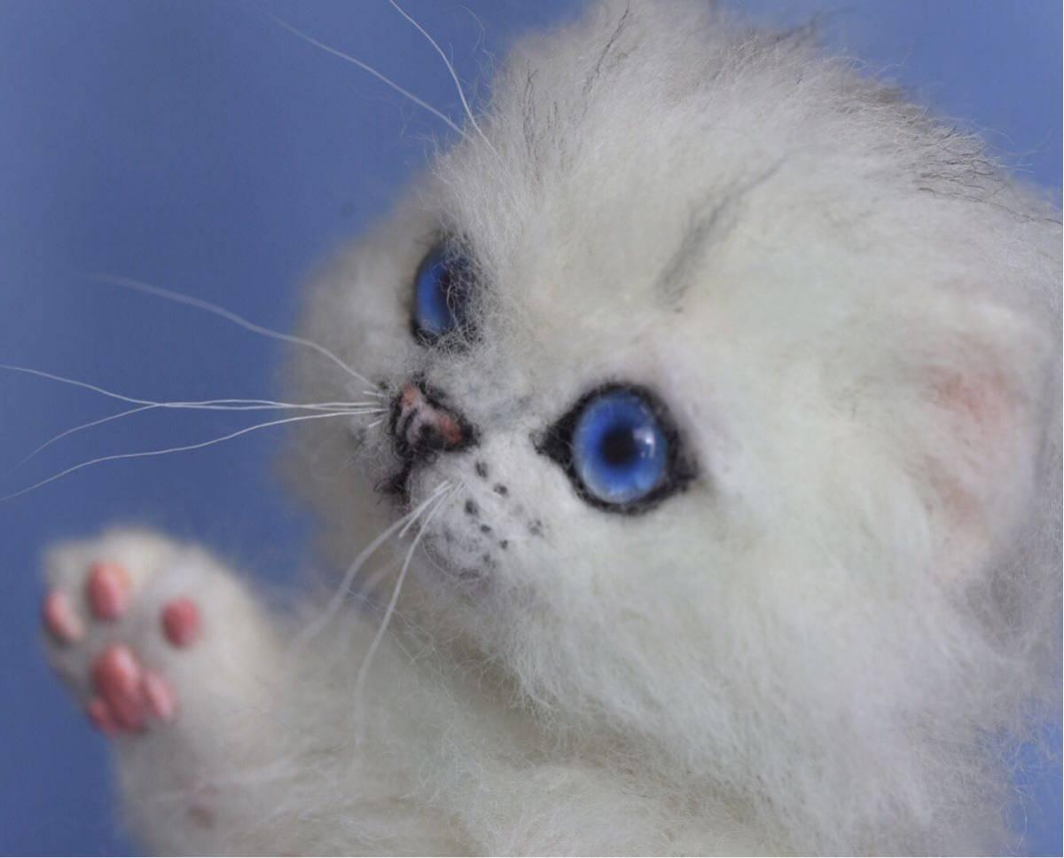 羊毛フェルト 子猫 チンチラ 猫 ハンドメイド 手作り人形 ぬいぐるみ グレー ホワイト_画像6