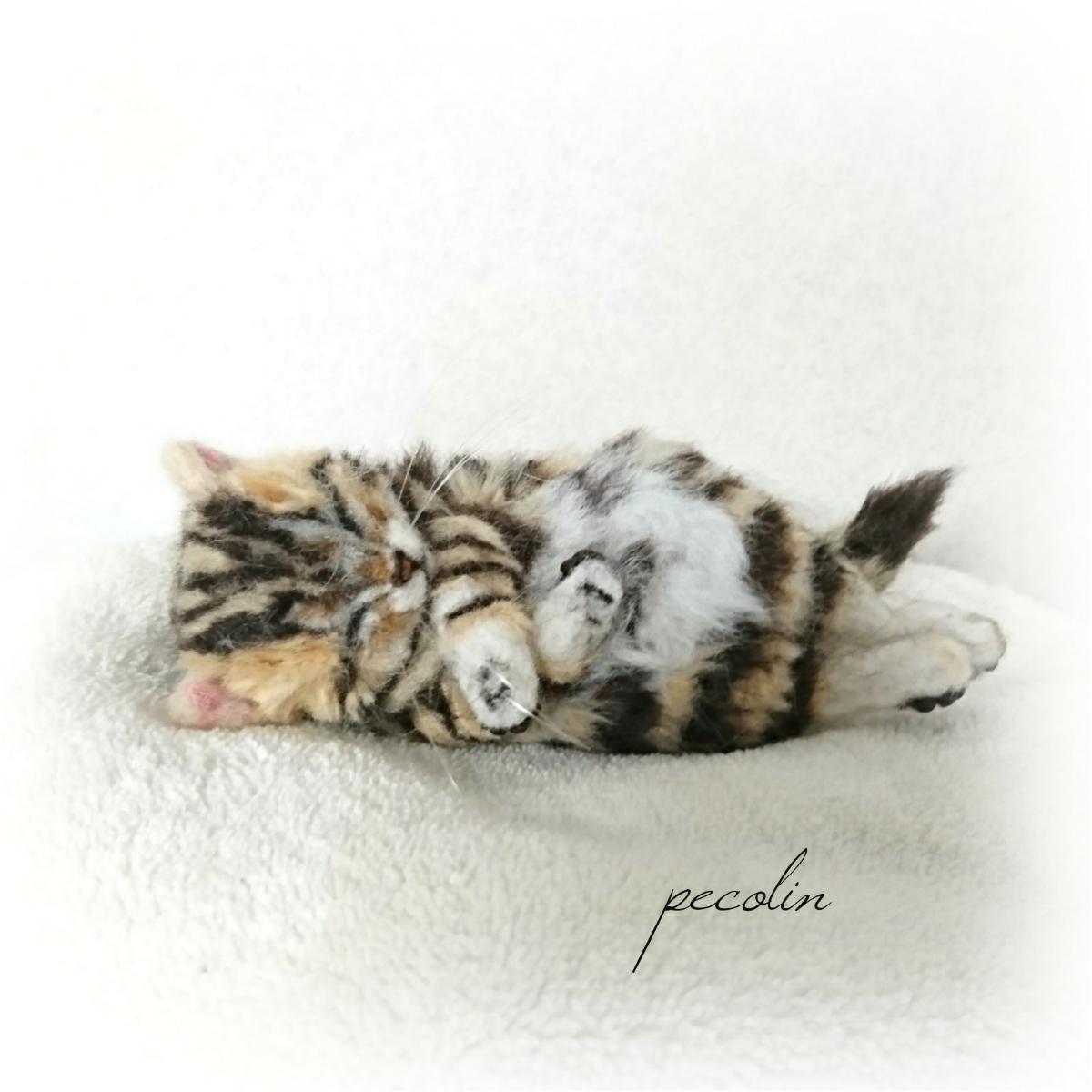 peco-lin 羊毛フェルト すやすや眠るベンガルの赤ちゃん 猫 ハンドメイド 眠り猫_画像6