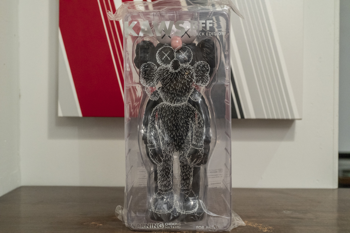 MEDICOM TOY / KAWS BFF BLACK EDITION [正規品・未開封新品]