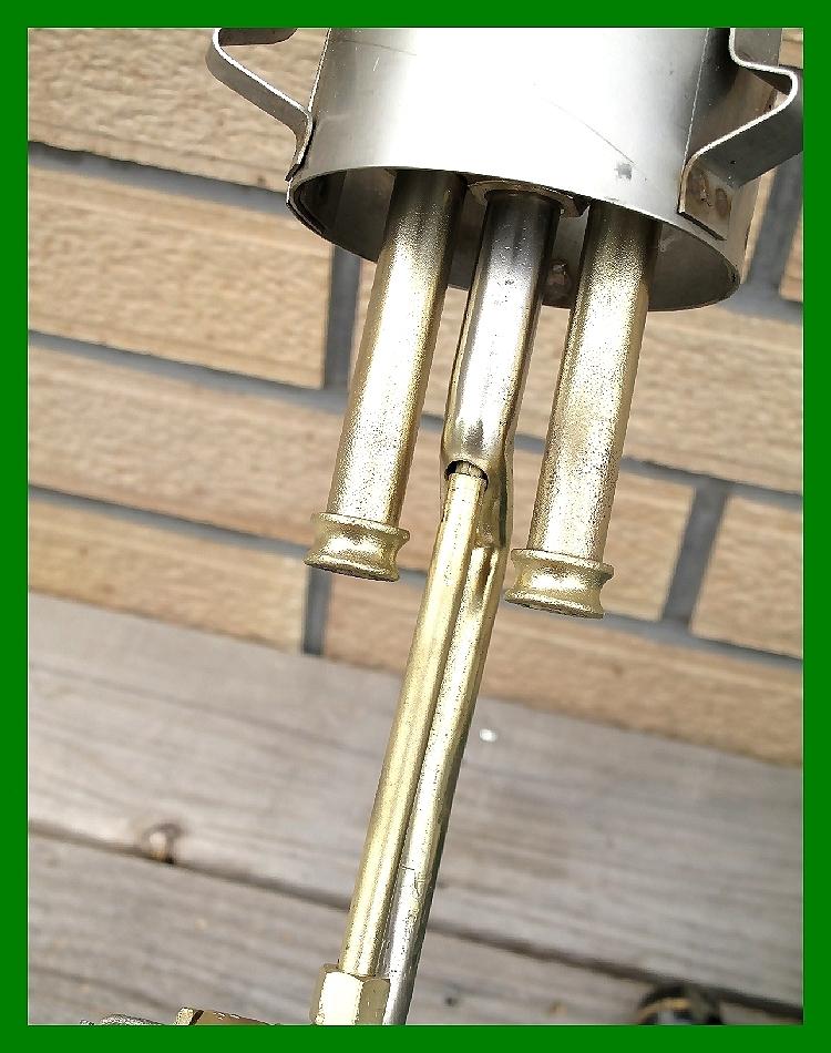 4'47 レアCanada Coleman 156 Table Lamp All Brass コールマン完全OH点火1年間保証メロン系グリーンフラワーガラスシェード付200A_画像6