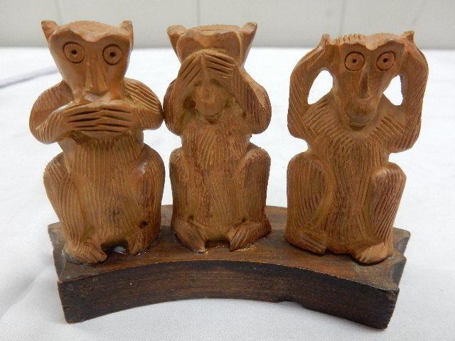 インド共和国産 木製 3WISE MONKYS 3猿 2セット 見ザル 言わザル 聞かザル UR_画像1
