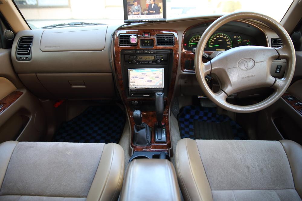 H12年 トヨタ ハイラックスサーフ SSR-X プレミアムセレクション 4WD 車検2年付 乗って帰れます!リモコンスターター,地デジ、ナビ装備_画像5