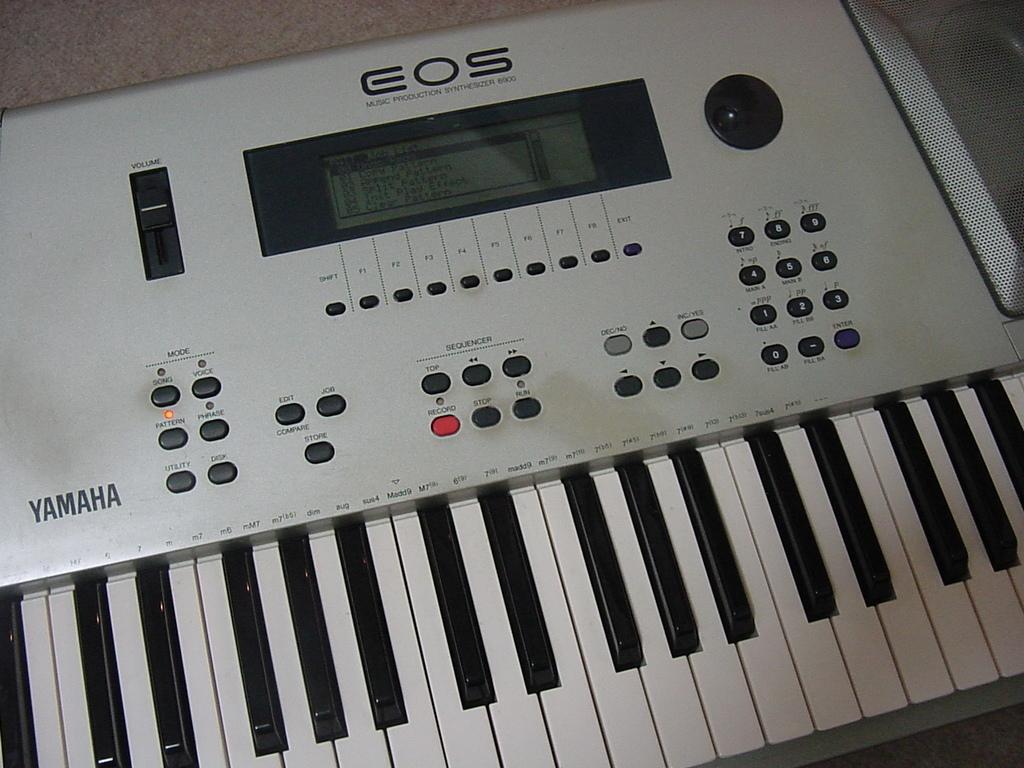 YAMAHA シンセサイザー 61鍵盤 EOS B900 難有り_画像4