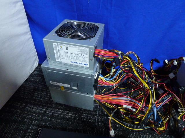 送料無料 自作PCセット H170 pro/P7P55D/他3枚 RADEON HD5870 HD7750 グラボ5枚/メモリ6枚/1TB HDD/電源ユニット5台/ジャンクにて_画像7
