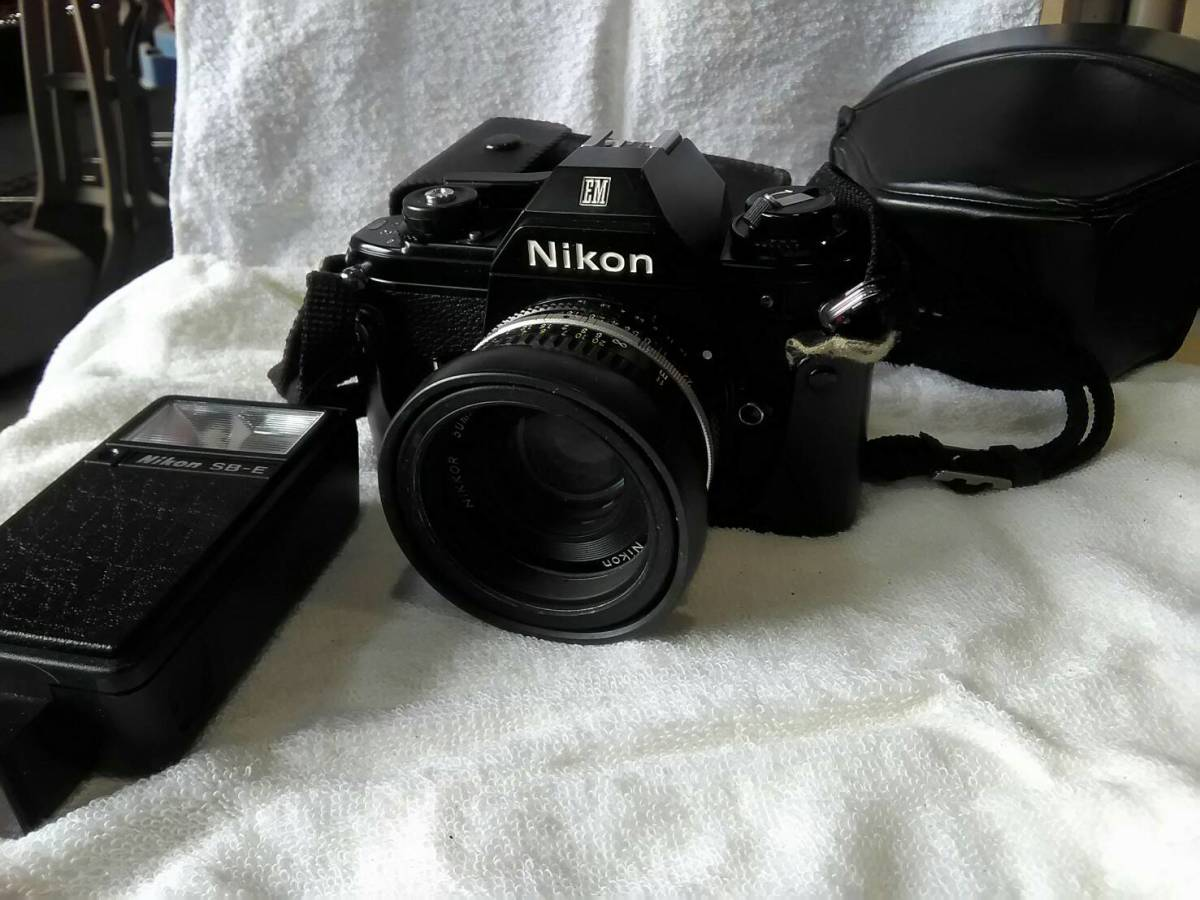 ( 118) Nikon 一眼レフカメラ EM 50mm 1:1.8 SB-E スピードライト_画像1